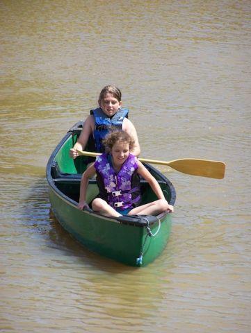 frontier-girls-canoeing