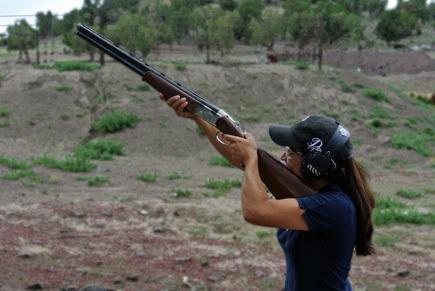 Mia_Anstine_left_handed_Beretta_Silver_Pigeon_shotgun_photo_by_Hank_Anstine