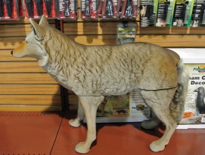 Flambeau-coyote-decoy
