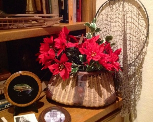 Heritage-Game-Mounts-Christmas-creel-red