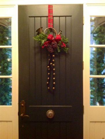 Heritage-Game-Mounts-Christmas-sleigh-bells-hunting-horn