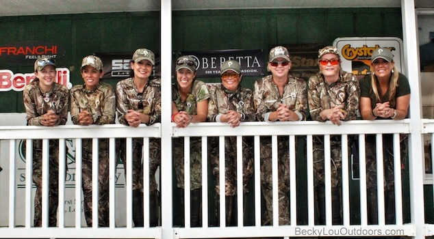 women-hunters-girls-huntout