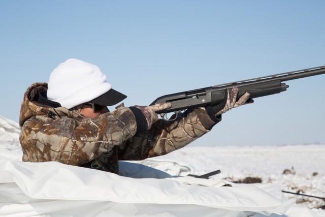 Mia-shoulders-Remington-V3-Sam-Soholt-photo