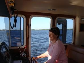 woman-yacht