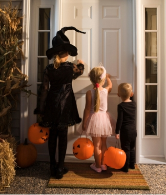 trick or treaters halloween feature