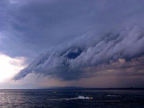 Thunder-storm-BoatUS