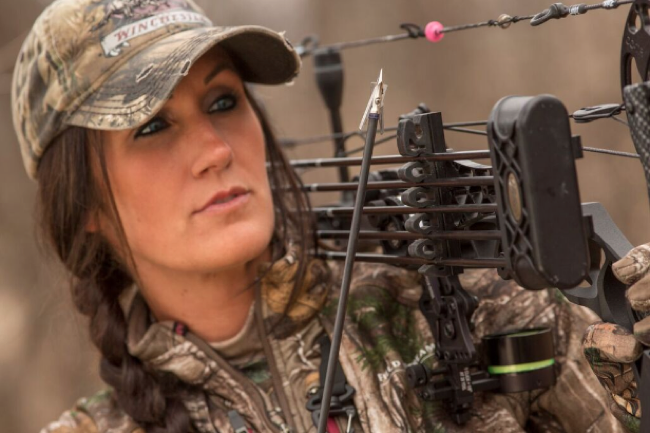 Archery-hunting-Melissa-Bachman-photo bowhunting 360