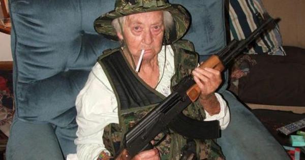 granny-ak-LA