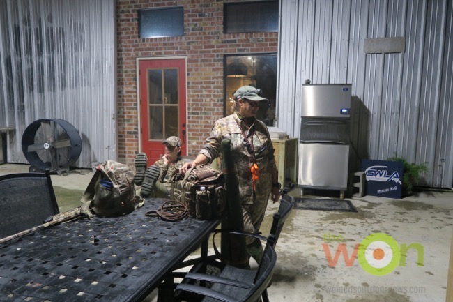 behind scenes teal hunt early morning