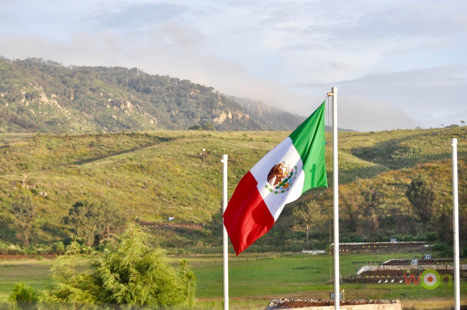 Mexico-Flag-Mountain-Aguila Copa Aguila
