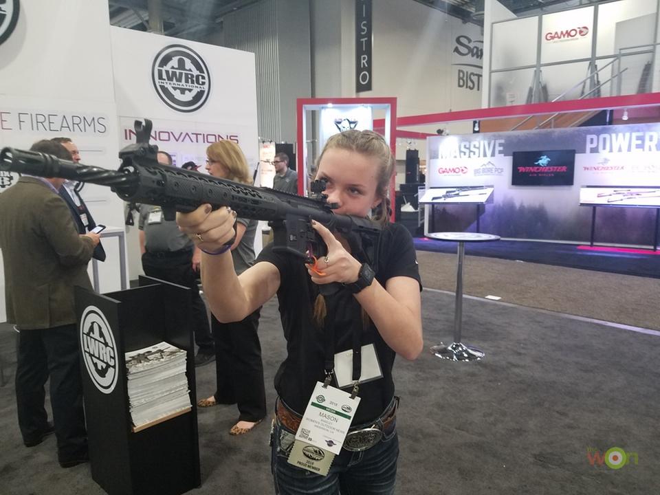 LWRC-2GirlsHunting SHOT Show