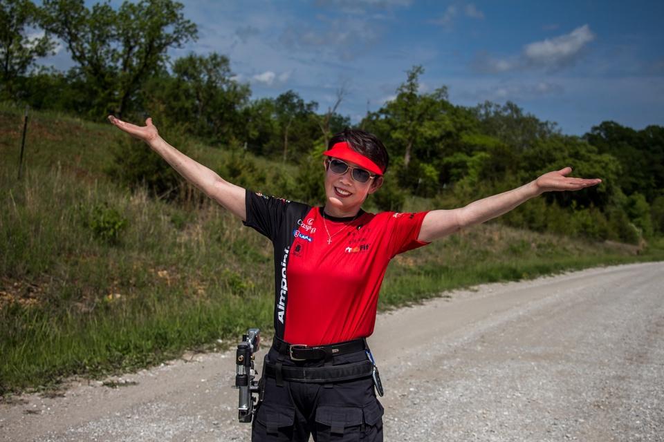 Vera Koo Bianchi Hands up