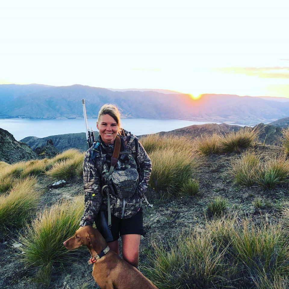 Stacey Thorburn New Zealand sunset with dog
