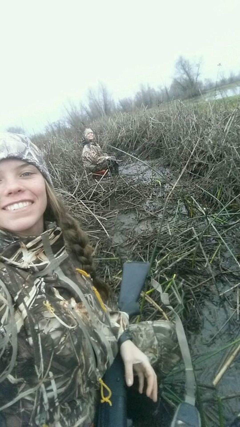 Foggy AM 2 girls hunting