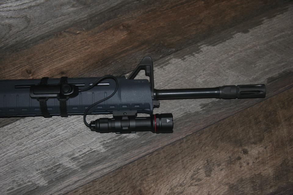 Crimson Trace CWL-202 on S&W AR15 MOE SL