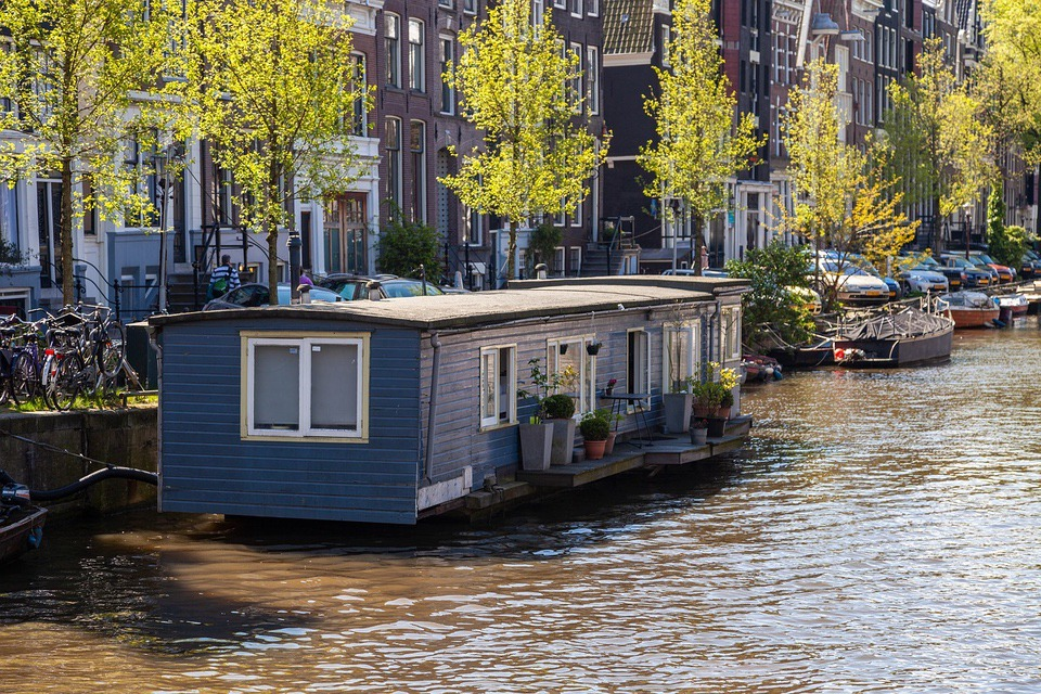 houseboat Downsizing