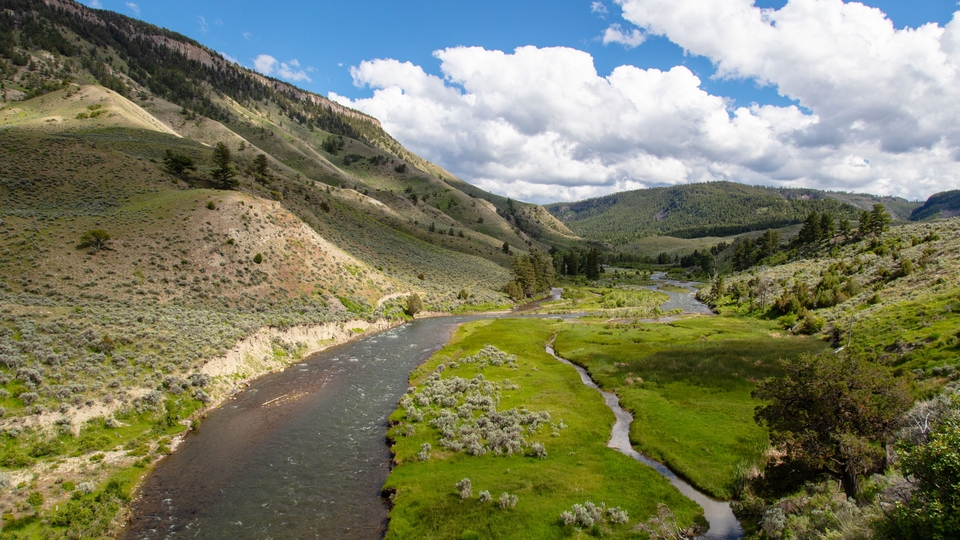 yellowstonenp_gardner-river-from-lava-creek-trail_jacob-w-frank_nps