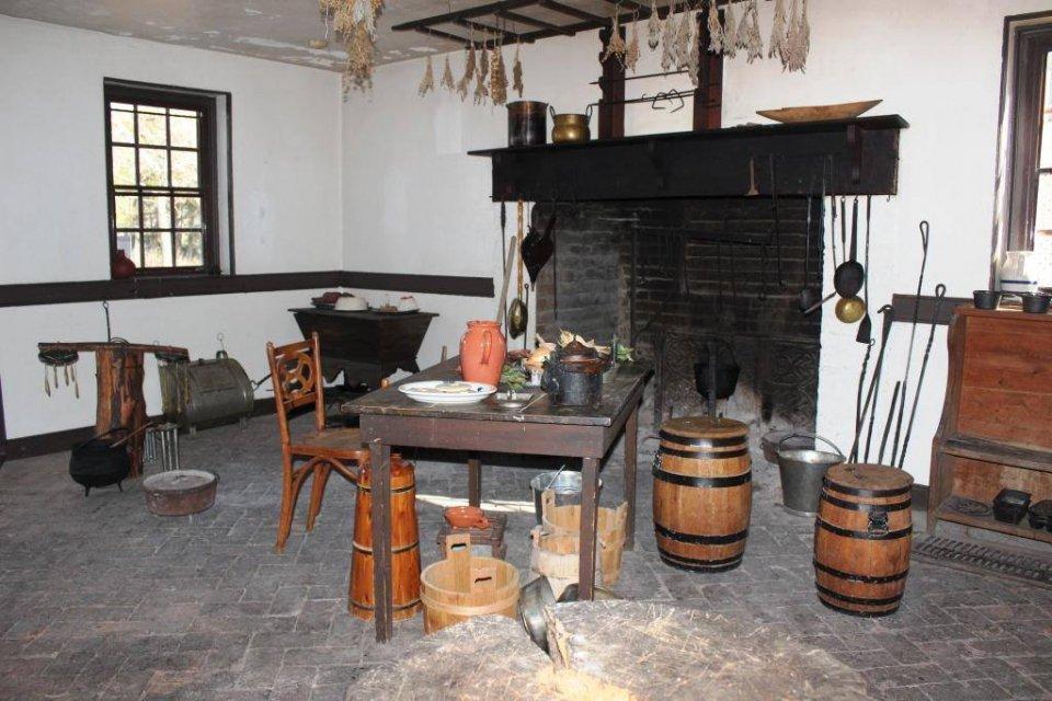 georgeowa shington birth placenm colonial-kitchen_nps