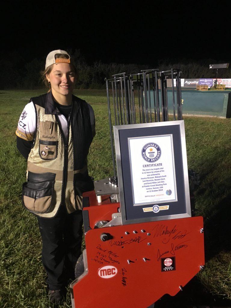 Guinness World Record CZ-USA Makayla Scott