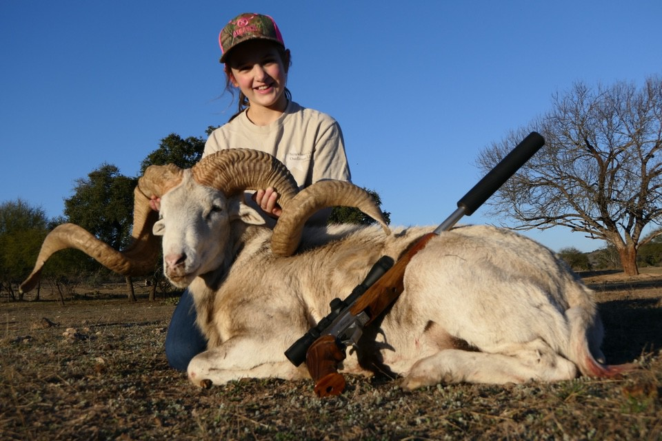 Kaylee Ann Stacy, recipient of 2020 Colin Caruthers Young Hunter Award