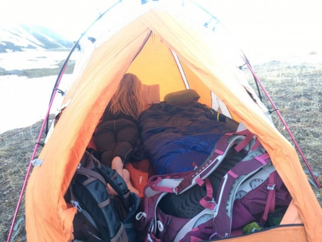 How I Stay Warm in My Tent: 11 Tips from a Colorado Backpacker