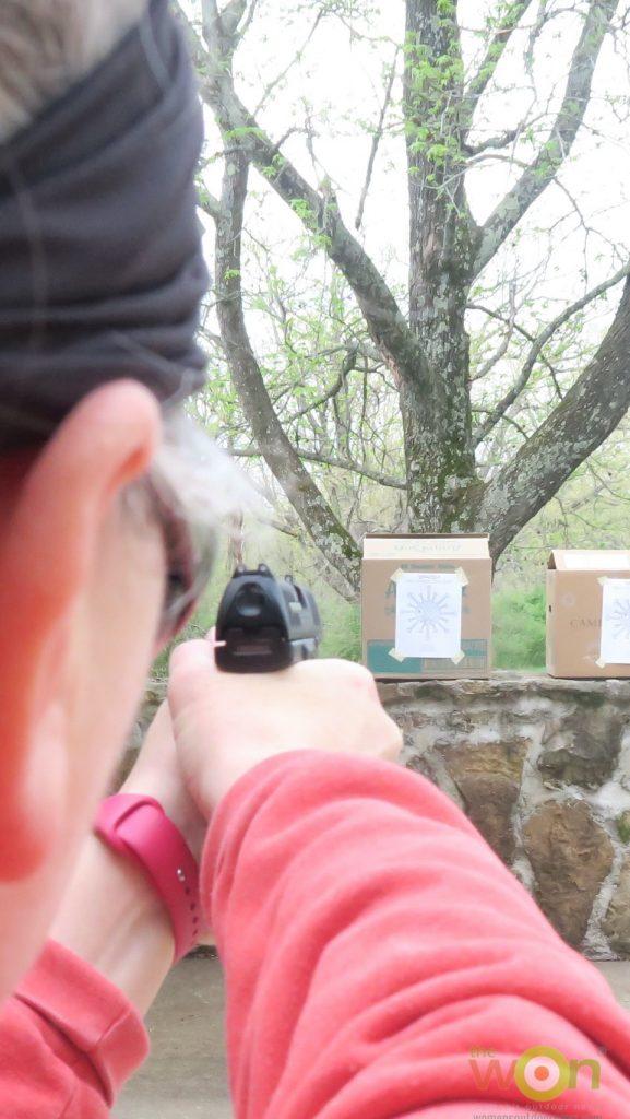 Babbs shooting walther airsoft gun