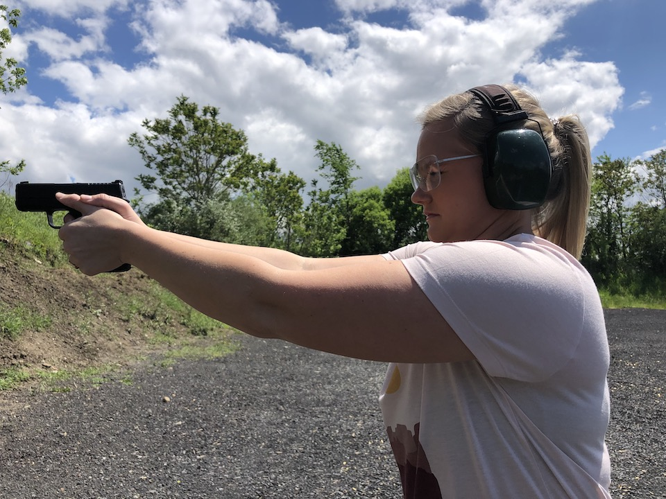 buerling support side shooting on her  Trip to the Range