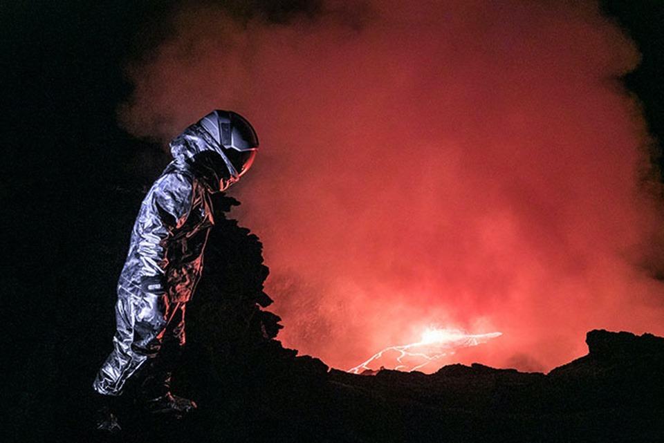 Karina Oliani_GWR_Longest Tyrolean traverse over a lava lake