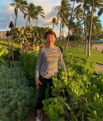 Vera Hawaii feature
