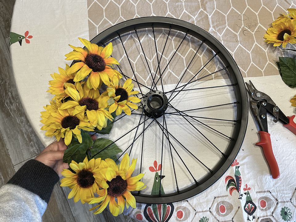 Finding an end point on Upcycled Bike Wheel Wreath