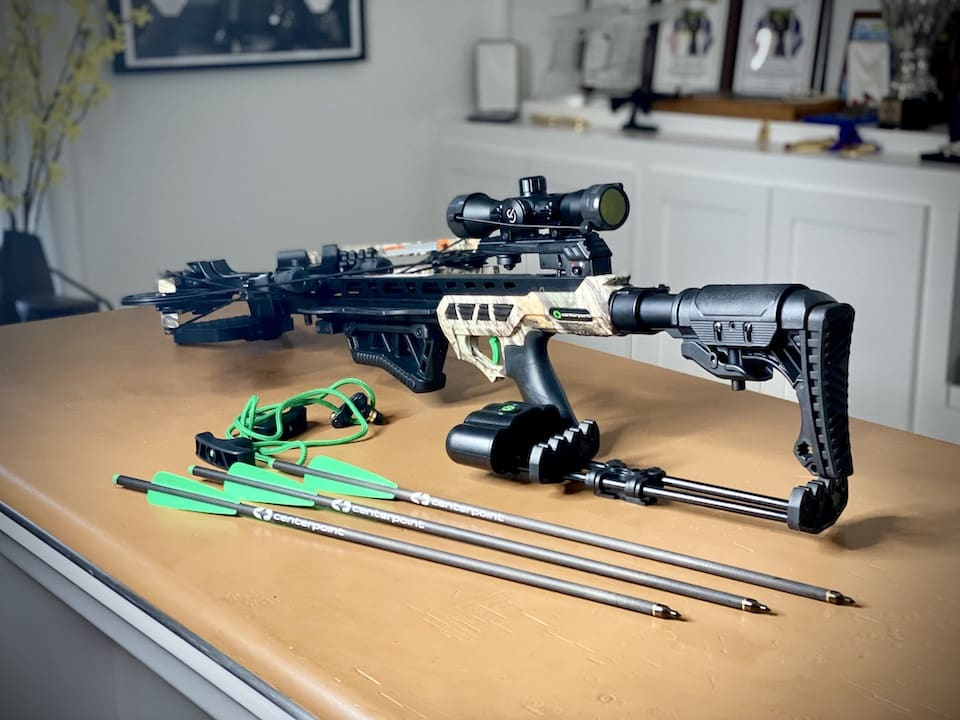 From scope to arrows, rope cocker, and detachable quiver the CenterPoint has everything you need to get started CenterPoint Pulse 425 crossbow