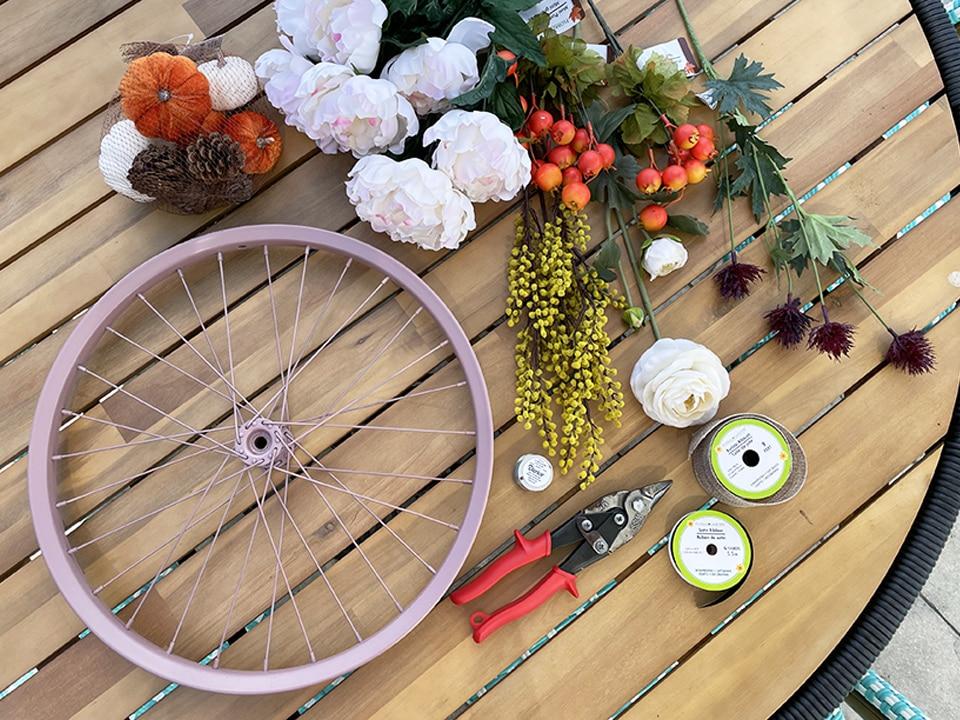 Bike Wreath materials