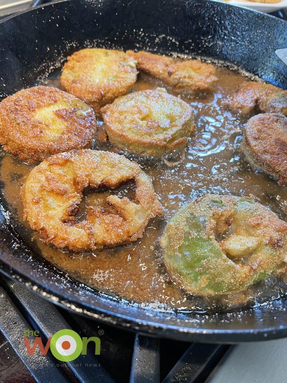 Paula Deen fried green tomaotes